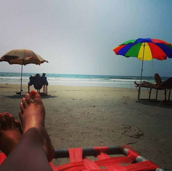 Happiness is to be carefree and just chill by the beach... #100happydays #beachlove